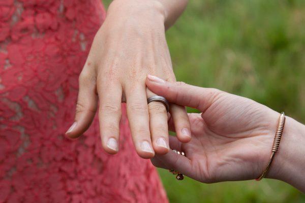 ja-woord, ringen, trouwfotografie, huwelijksfotograaf, bruiloft, trouwserie, trouwreportage