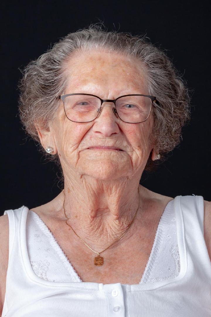 ouderenfotografie, seniorenfotografie, portretfoto in verzorgingshuis, fotoshoot