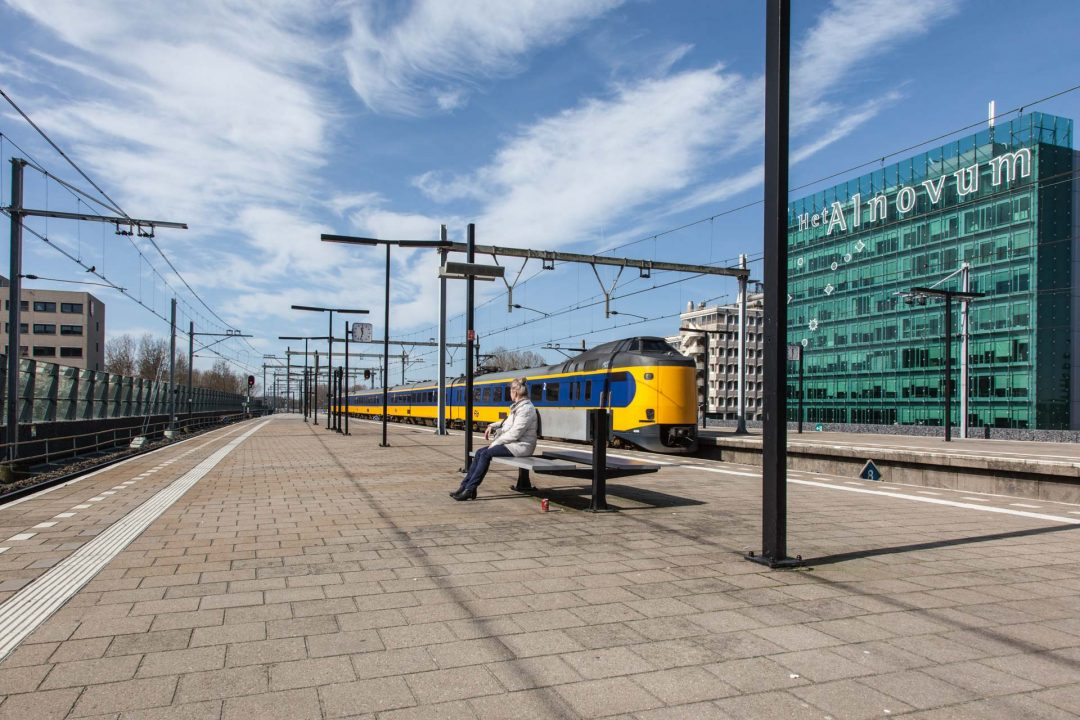 stedelijk landschap, Almere, station, fotograaf, architectuur, reportage, NS, trein