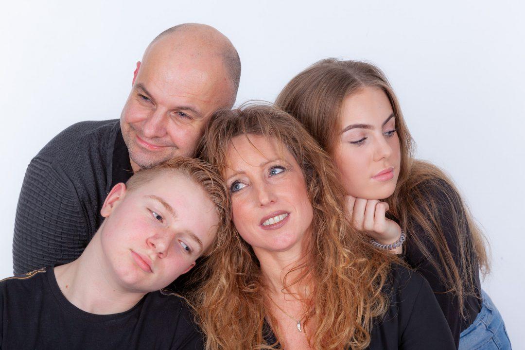 familieshoot, groepsfoto, gezin, portret, fotograaf, fotostudio