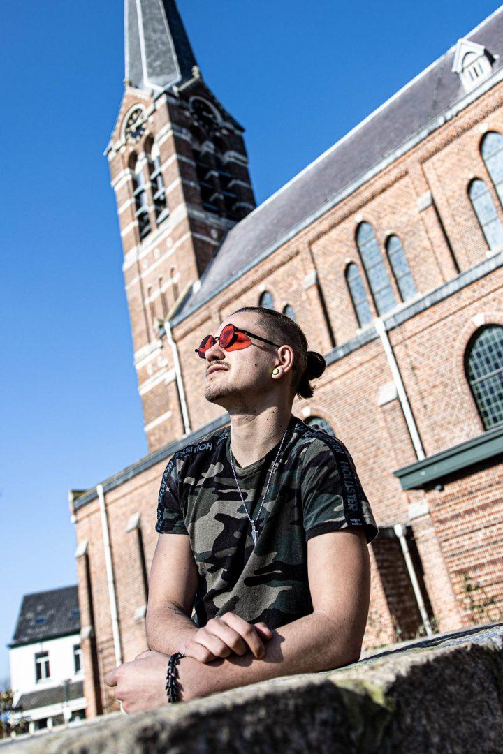 Ontmoeting in Ossendrecht - stoere punker, straatfotografie