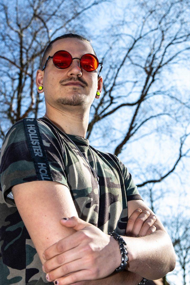 Ontmoeting in Ossendrecht - stoere punker, straatfotografie, portretfotograaf